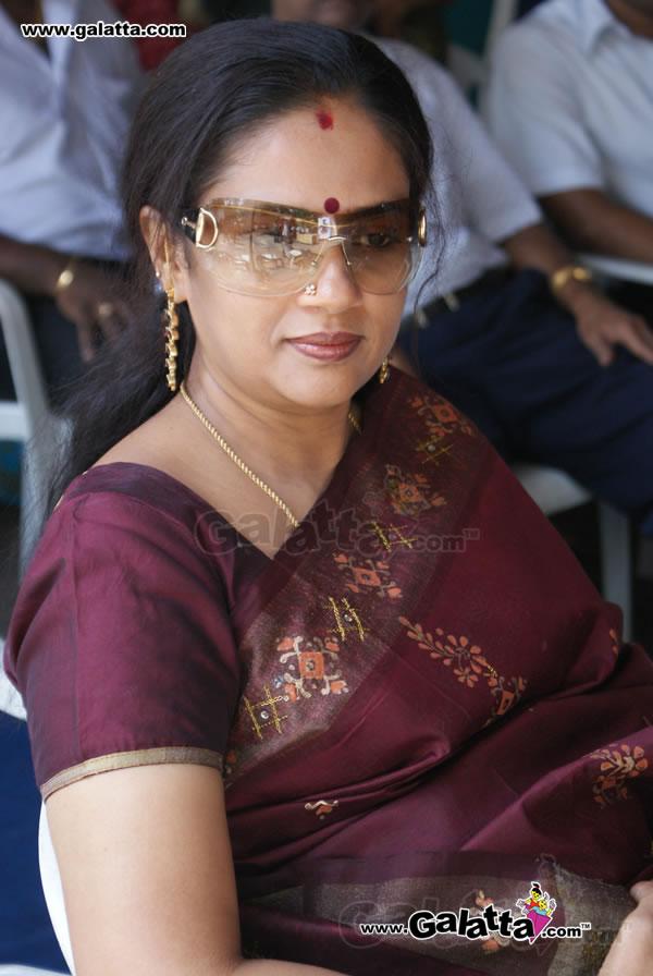 Tollywood Aunties And Actresses Lakshmi Ramakrishnan -6795