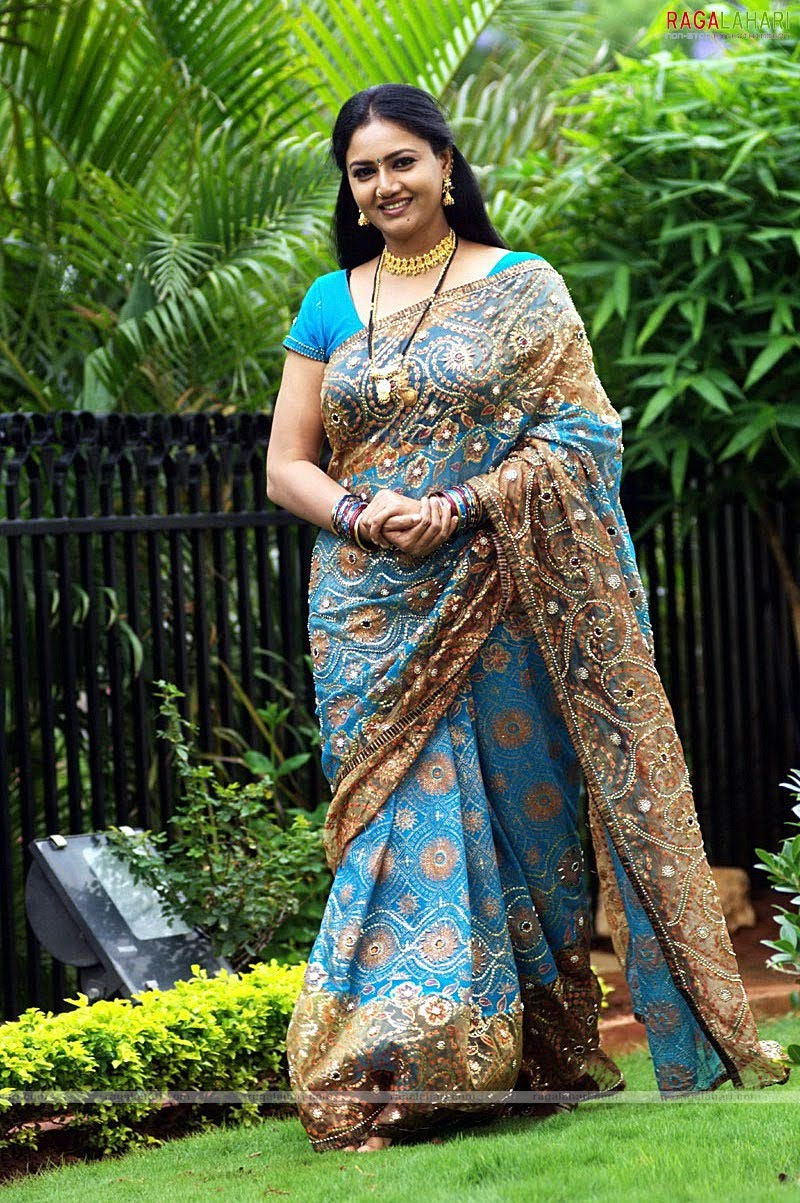 Tollywood Aunties And Actresses Raksha Aunty Hot In Saree 1-7351