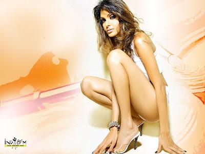 Sherlin Chopra, pussy