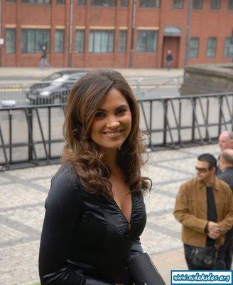 Lara Dutta Boobs