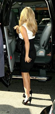 The Voluptuous Jennifer Love Hewitt Super Sexy Pictures