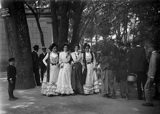 Resultado de imagen para vestimenta de la época de la revolución