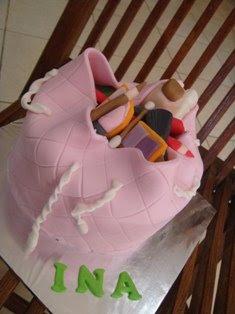 Dapur Zytka Mini Bags And Make Up Bag Cake For Ina Birthday