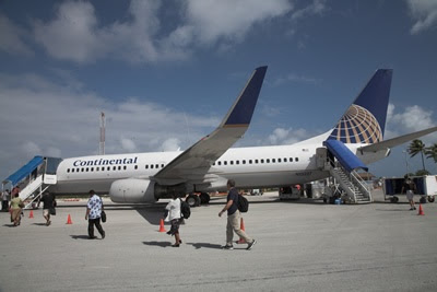 737 Continental airlines plane on tarmac in Majuro