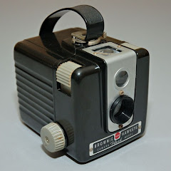 KODAK BROWNIE HAWKEYE - CLICK ON PHOTO