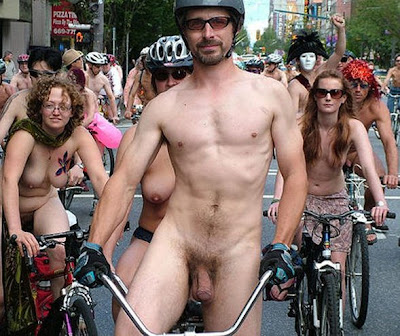 men naked bike ride