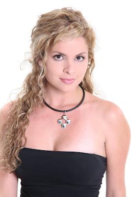 http://bp0.blogger.com/_lR38caCPFvc/R8JBZOTcAMI/AAAAAAAARE0/hcRLXG0-tlo/s400/DanielaBascope10.JPG