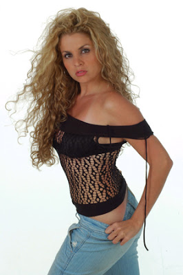 http://bp1.blogger.com/_lR38caCPFvc/RhZg6qrnbyI/AAAAAAAALUw/QKqVtEii1A4/s400/DanielaBascope06.jpg
