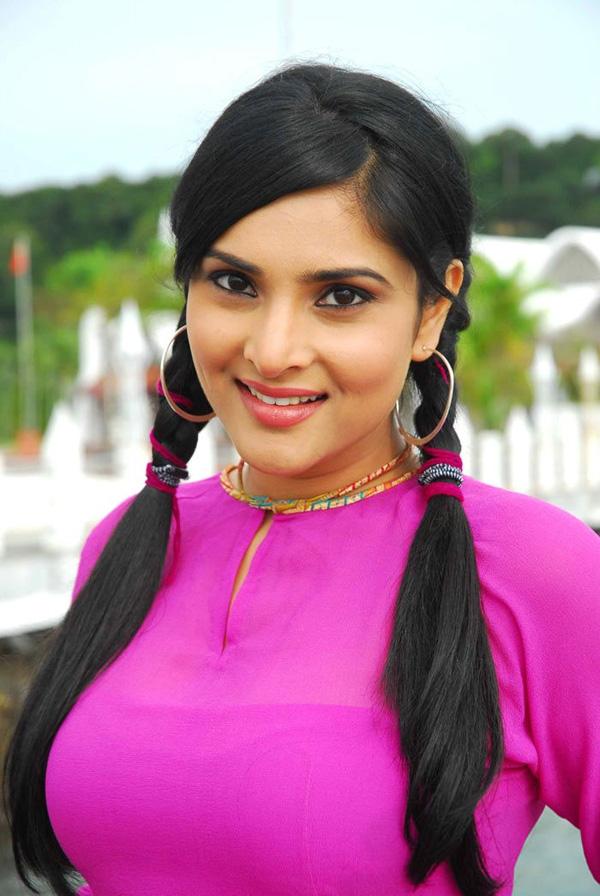 Indijski kino igralci Ramja - igralka iz Kanade-6749