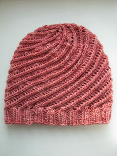 Pirouette hat pattern by Littletheorem