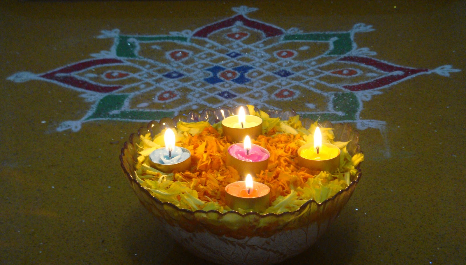 Rangoli Designs Wallpaper: Diwali Diyas Decoration Ideas