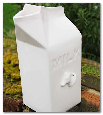 dee puddy milk container