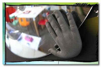 mirror hands tse tse