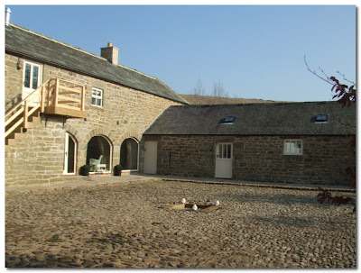 falstone barns cobbled courtyard
