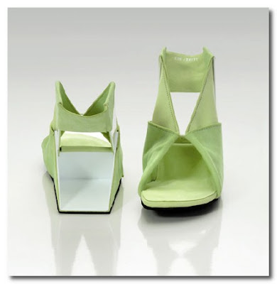 the origami shoe by Catherine Meuter