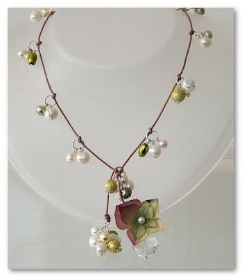 mia wood necklace