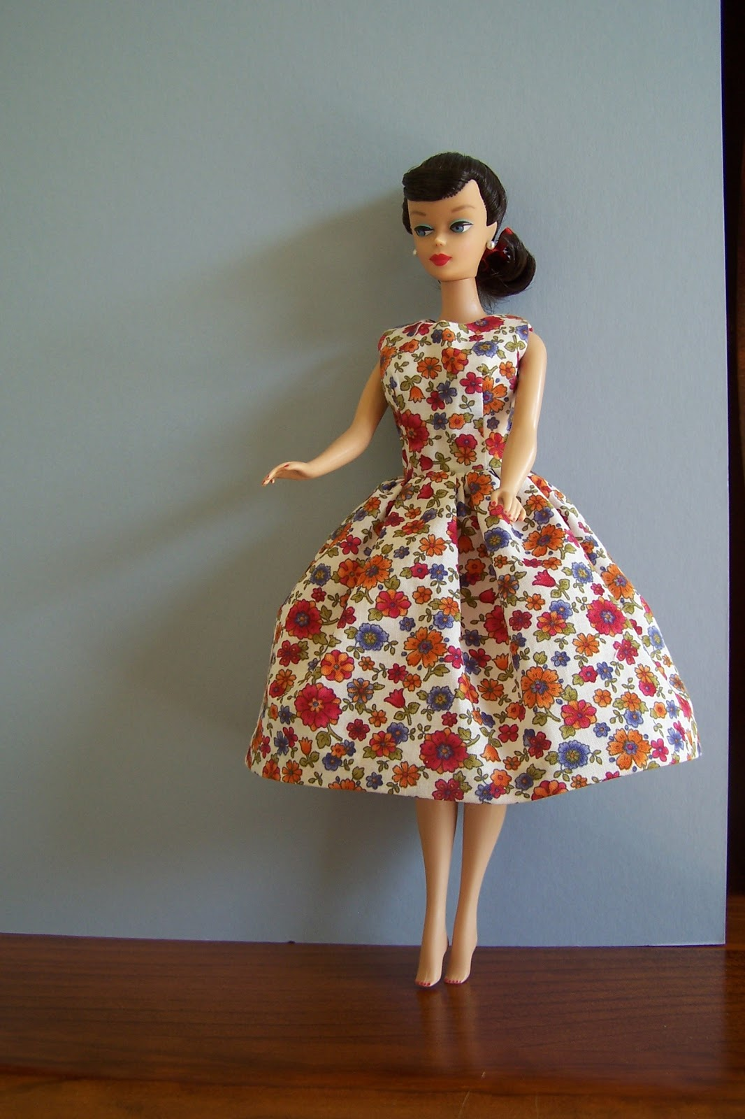 Vintage Clothing Do You Think Its Coming Back: Lizzie's Arty Crafty 'n Dolls: Dolls! Finished Dress