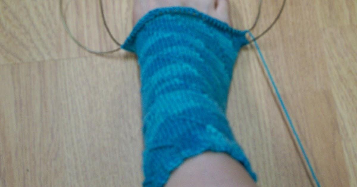 Knitting Socks Using Circular Needles : Knittraders of kingston patterns knitting socks on a