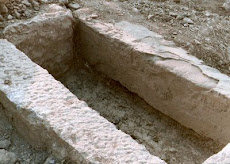 Αποκαλυφθείς τάφος στο Δίστομο