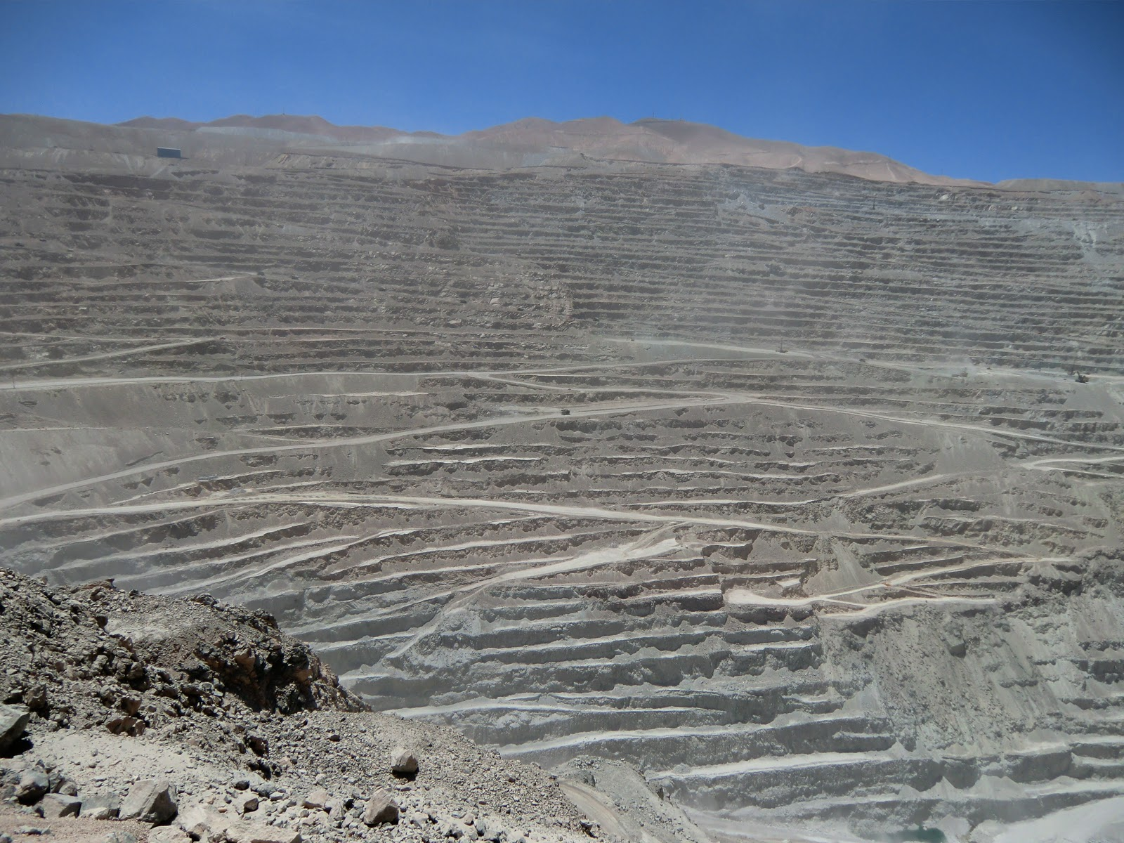 chilean copper mine Chuquicamata or chuqui as it is more familiarly known, is by excavated volume  the largest open pit copper mine in the world, located in the north of chile, just.