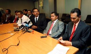 11 Adun Terengganu membuat sidang akhbar dan tidak menyertai sidang Dun