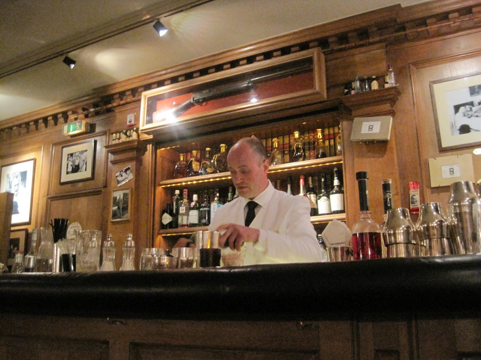 Hemingway Bar | 52 Martinis