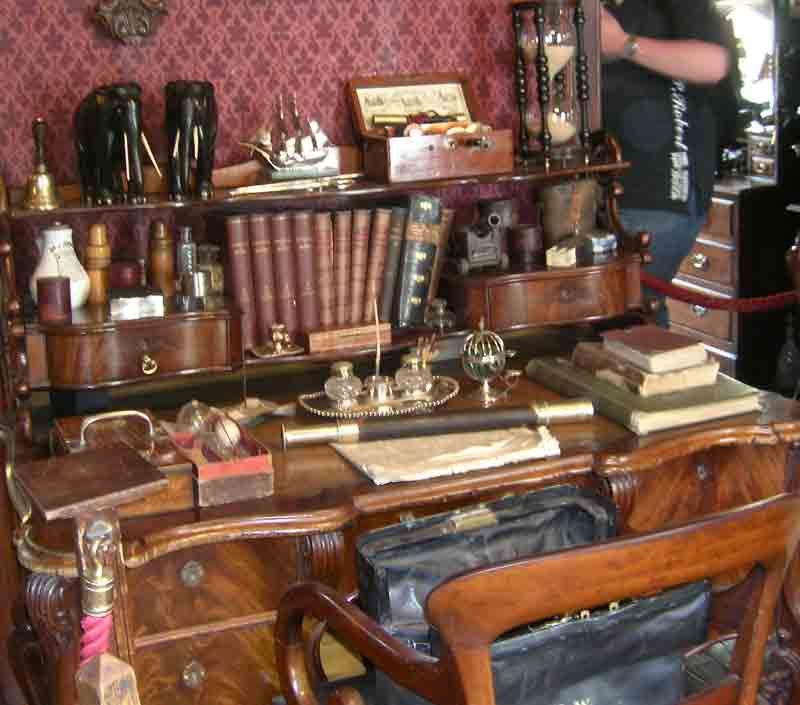 Cooprenner Sherlock Holmes Museum And An Old Byron Book