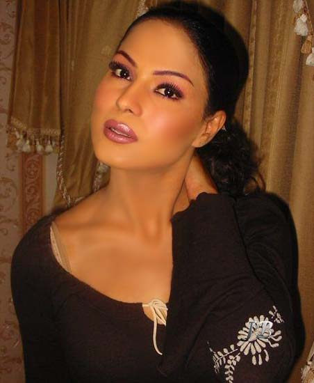 Actress Veena Malik Nude Photos