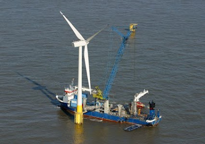 "StatoilHydro to float ""spar"" wind turbine"