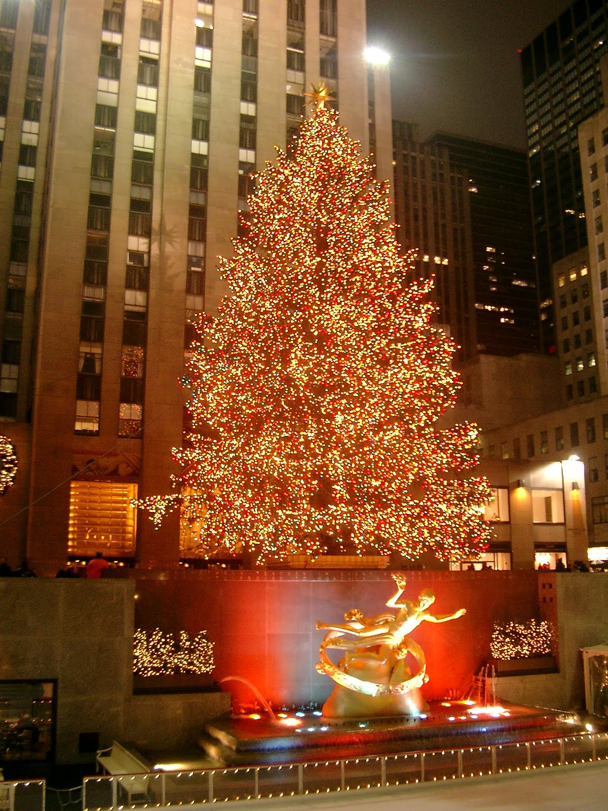 See the Rock Center Tree Light Up the Night | Travel Horizon