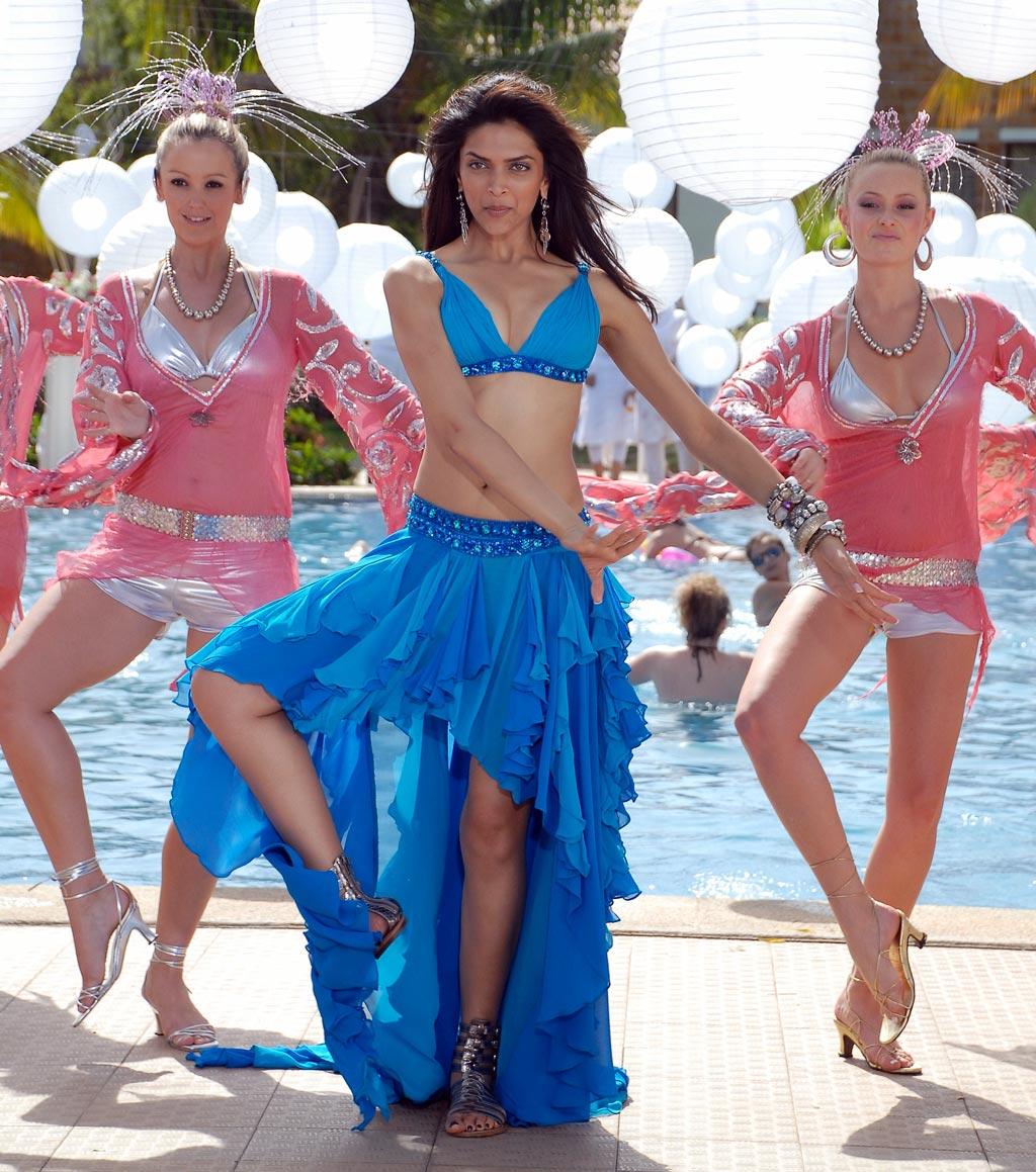 Anu 3d Name Wallpaper Celebrity Hot Picture Deepika Padukone Latest Movie Still
