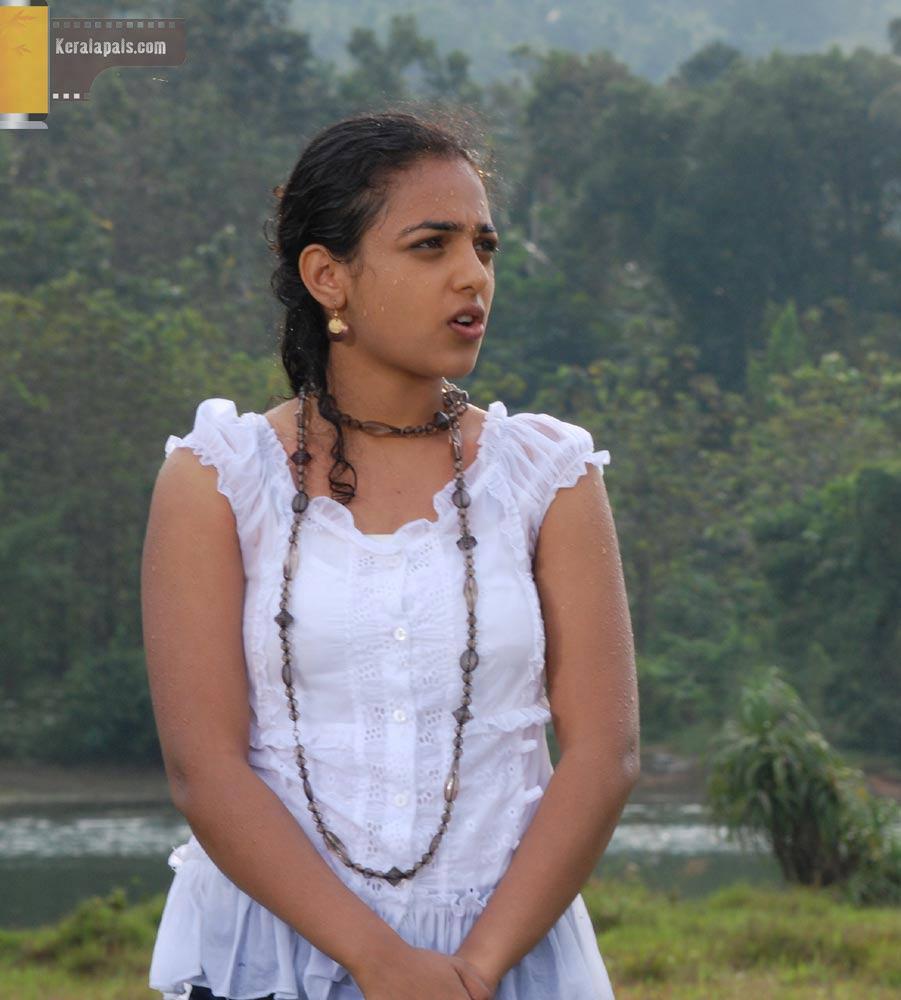 Malayalam Asianet Tv Anchor Nithya Menon Hot Photo Collection-3716