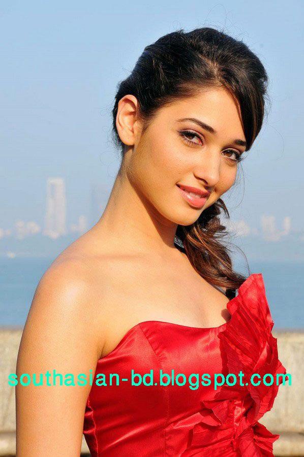 Indian Cute Girl Wallpaper Download Sexy Girl Bikini New Tamanna Bhatia 2010 New Unseen