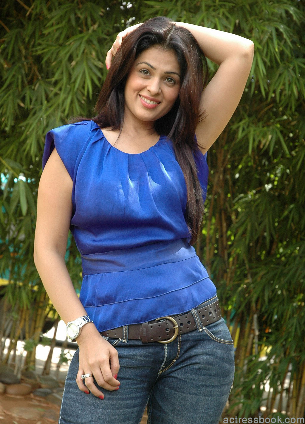 Sexy Girl Bikini New: Bollywood hot actress Anjana Sukhani pics | Anjana Sukhani latest photos ...