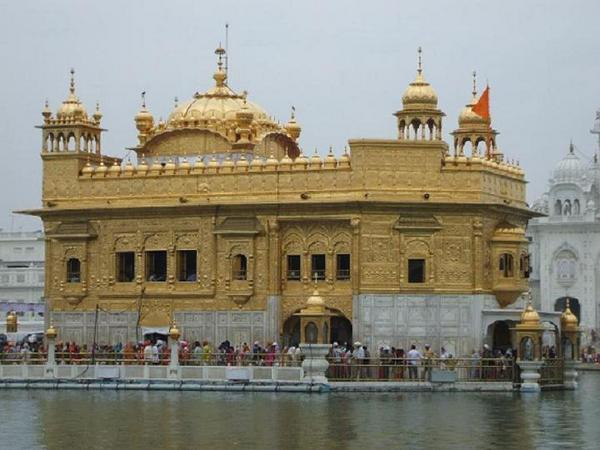 3d Amar Name Wallpaper Free Wallpaper Beautiful History Of Amritsar Golden