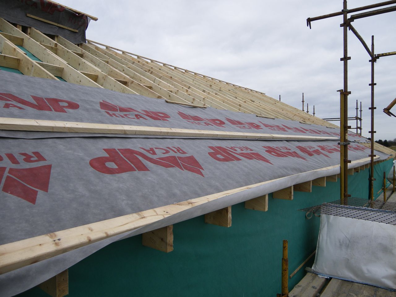 52 53 Build Warmcell Insulation Into The Shed Roof