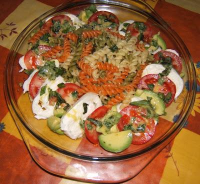 Salade de pâtes de trois couleurs