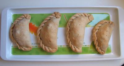 Chaussons argentins farcis au boeuf cuits au four