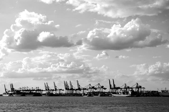 [docks1.jpg]