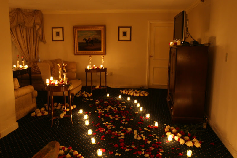 Desain Pernikahan Wedding Night Room Decoration With Roses