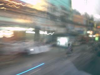 Một góc nhìn từ xe buýt