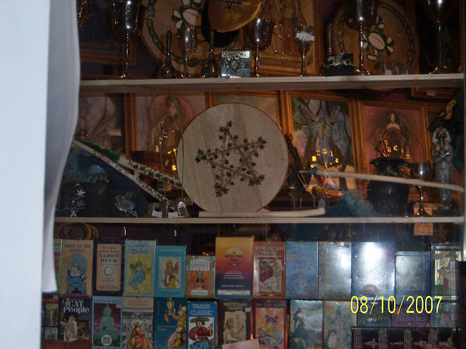 Alter board/Chalices/Cards/Wooden wands