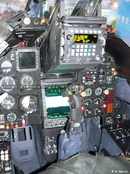 fighter_jet_cockpits_640_11.jpg (450×600)