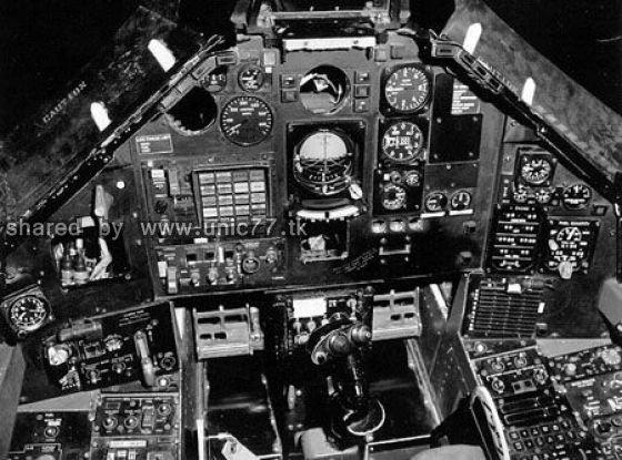fighter_jet_cockpits_640_08.jpg (560×415)