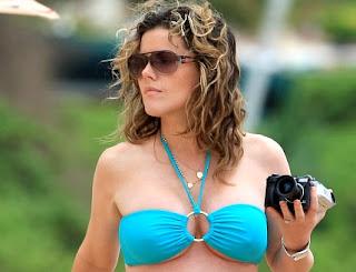 Kathleen robertson pregnant bikini think, what