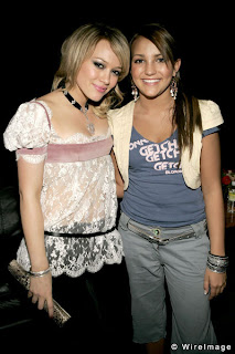 Jamie Lynn Spears with Teen Pop Star Hillary Duff