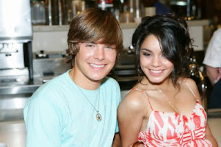 Zac Efron Vanessa Hudgens Characters Separated in High School Musical 3
