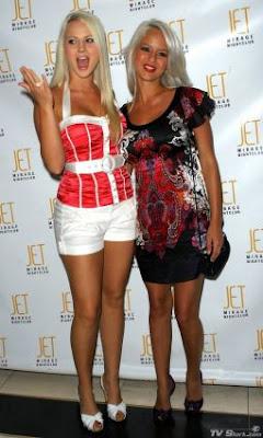 The Olly Girls - Holly Huddleston and Molly Shea
