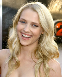 Teresa Palmer is Bedtime Stories Star
