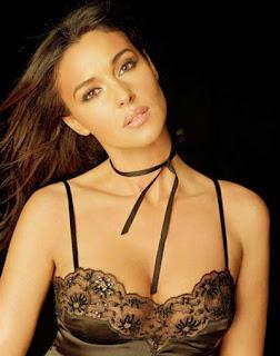 Monica Bellucci Hot Sexy Photo